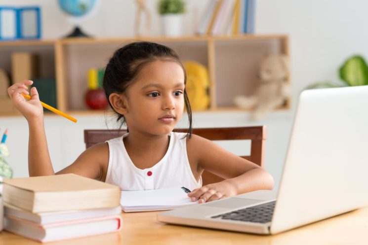 Enseña desde casa, Google lanza un centro online temporal para dar clase por ordenador