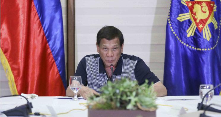 """Presidente de Filipinas ordena """"matar"""" a quienes violen la cuarentena »"""