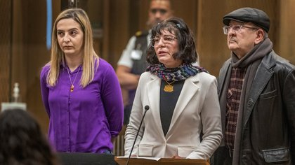 Un grupo de víctimas en el juicio. John Kirk-Anderson/Pool via REUTERS