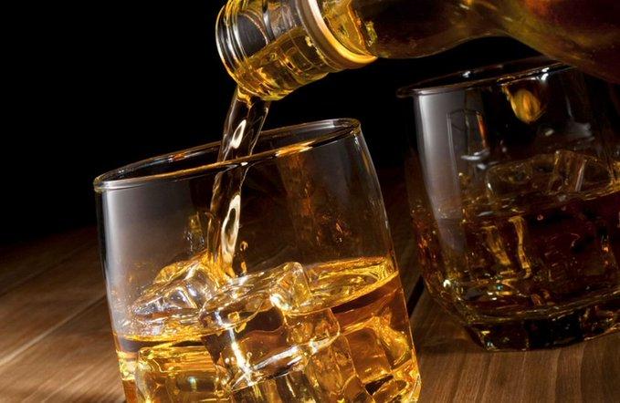 Diputado propone limitar bebidas alcohólicas los fines de semana