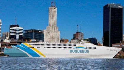 Buquebus es la empresa que prevé activar más frecuencias entre Buenos Aires y destinos en Uruguay