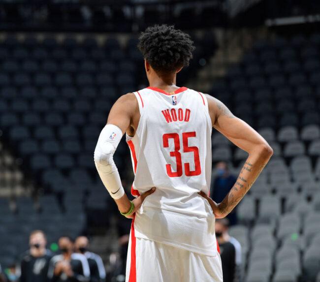Pistons HC Dwane Casey fue advertido de no firmar a Christian Wood