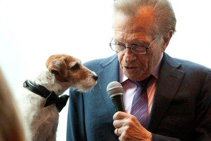 Con Uggie, el perro de la película