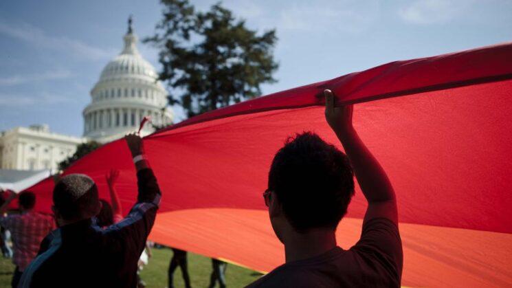 Cámara de Representantes aprueba ley de igualdad para detener