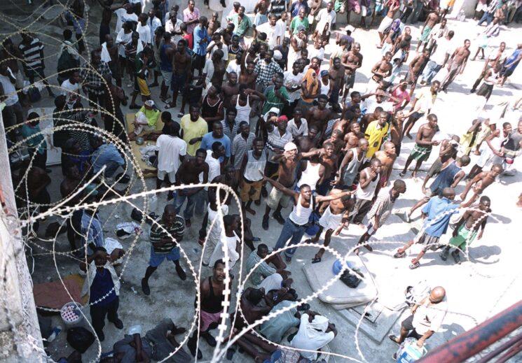Varios muertos, incluido un director de cárcel, tras fuga de presos en Haití