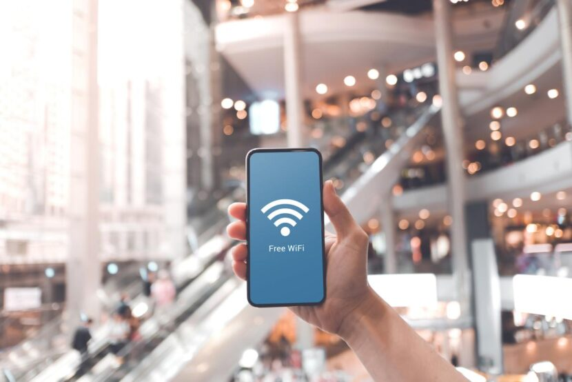 Así de fácil consiguen los hackers todos nuestros datos personales cuando nos conectamos a una WiFi pública