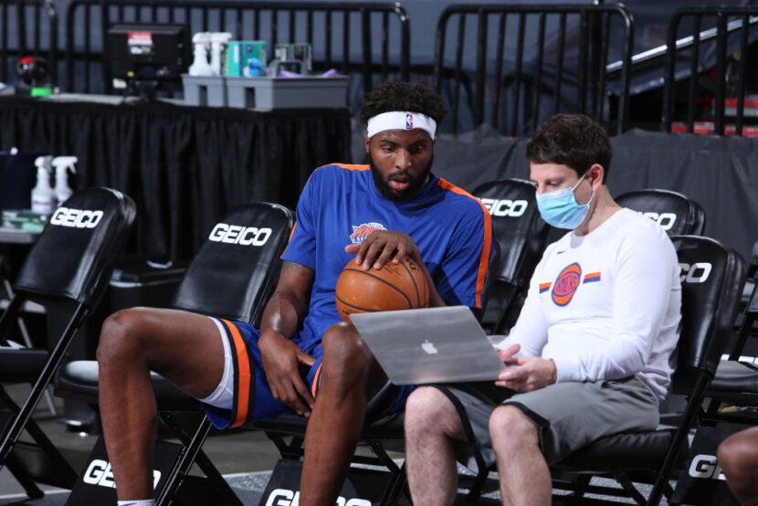 Mitchell Robinson se somete a una exitosa cirugía para reparar el pie fracturado
