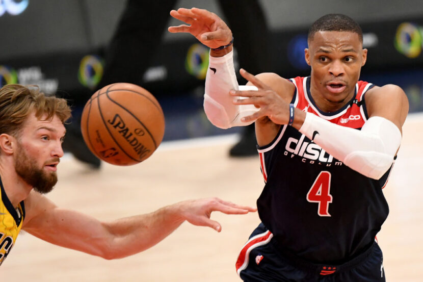 Russell Westbrook se une a Magic Johnson, Oscar Roberston con un histórico triple-doble