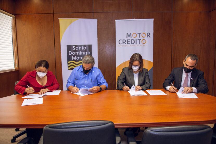 Santo Domingo Motors y Motor Crédito suscriben compromiso para el Sello IGUALANDO RD