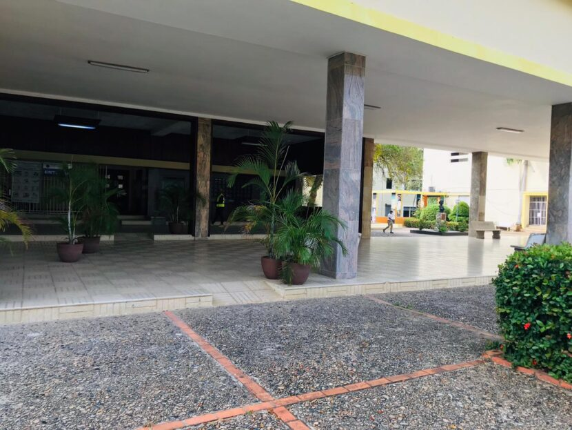 Centros vacunación UASD y PUCMM siguen cerrados
