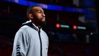 Boston Celtics firman a Jabari Parker con un contrato de dos años