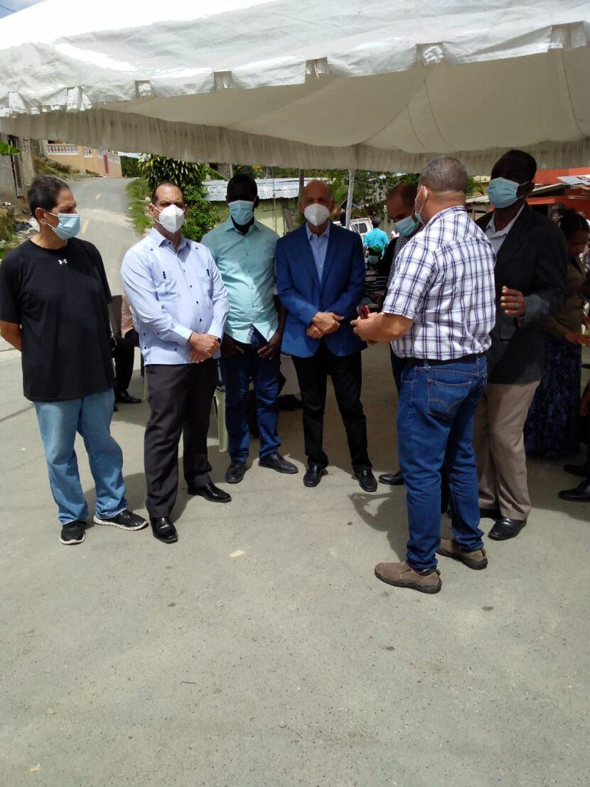 Comisión PRM en SDN se solidarizan con familiares de pareja de pastores asesinados por patrulla Policía