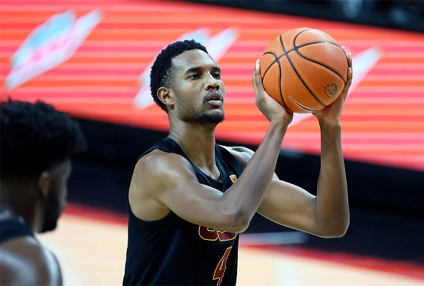 Freshman Center Evan Mobley deja la USC y se declara para el Draft de la NBA