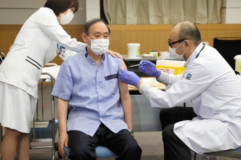 Japón pidió a Pfizer más vacunas para acelerar la inmunización