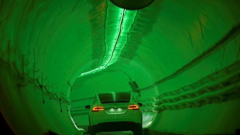 """""""No es más que un agujero muy caro a través de la tierra"""": el túnel"""