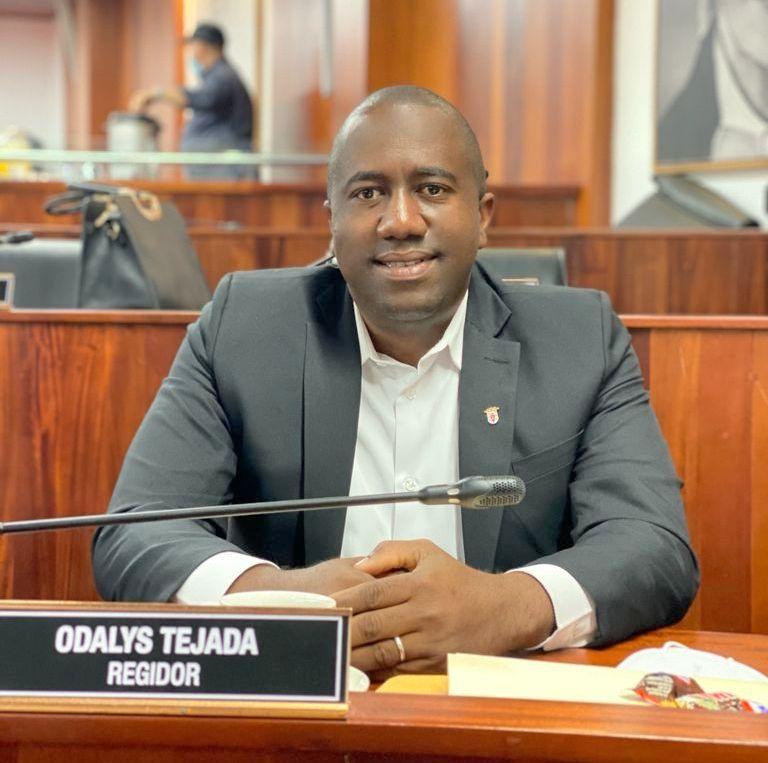 Regidor Odalys Tejada presenta acciones de su primer año de gestión en Santiago