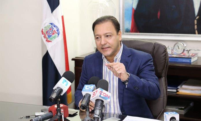 Abel Martínez solicita al Gobierno cierre de la frontera con Haití por variantes del covid-19