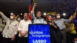 Asume Lasso en Ecuador, acechado por la crisis de la pandemia