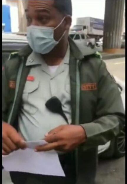 Digesett reacciona sobre video donde agente multa ciudadano por falta de botiquín y extintor