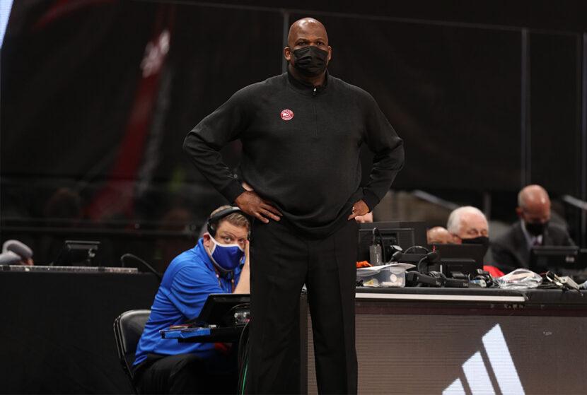 El entrenador de los Hawks, Nate McMillan, recibió una multa de $ 25,000 por comentarios