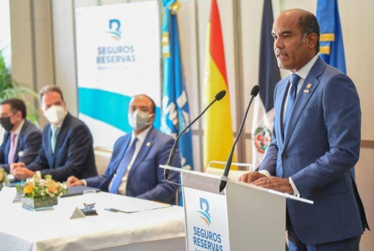 Seguros Reservas firma en FITUR acuerdos internacionales para beneficiar clientes