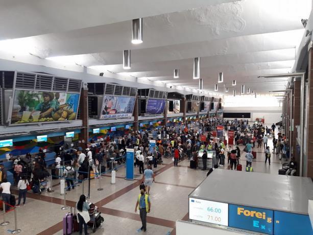 """Asonahores dice es """"contraproducente"""" aumentar restricciones en aeropuertos y zonas turísticas"""