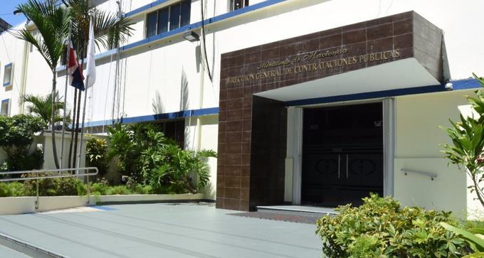 Contrataciones Públicas somete a tres empresas por falsificar documentos para obtener registro de proveedores
